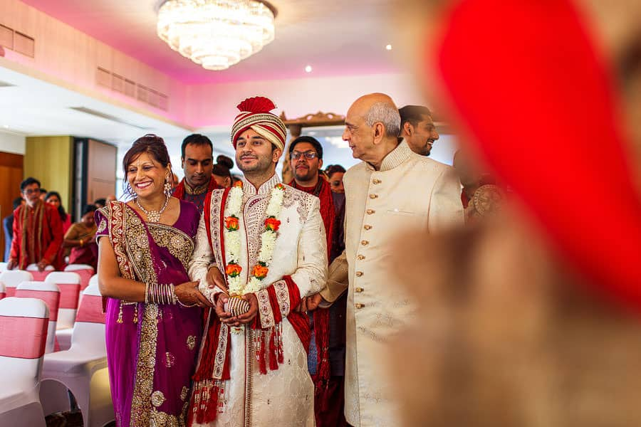 hindu wedding photography brentford lock