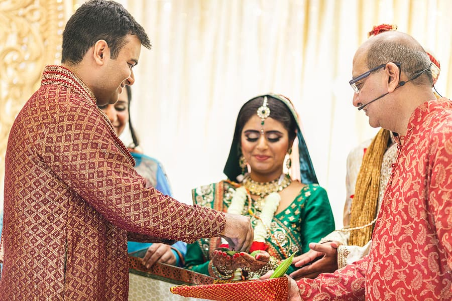 hindu wedding photography shendish manor