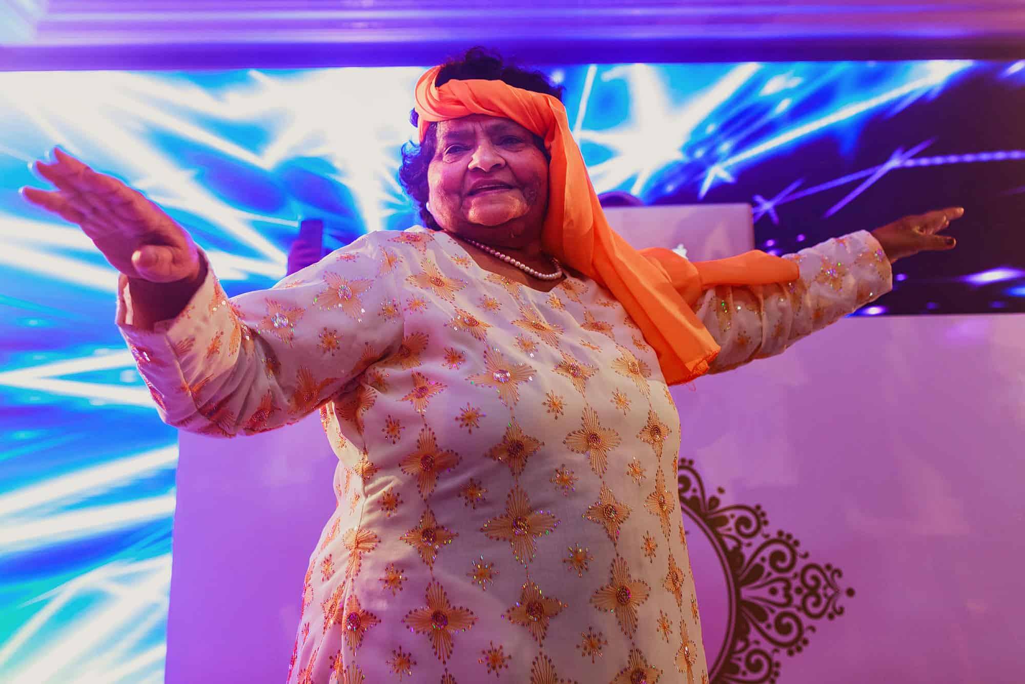 jumeirah carlton wedding hindu
