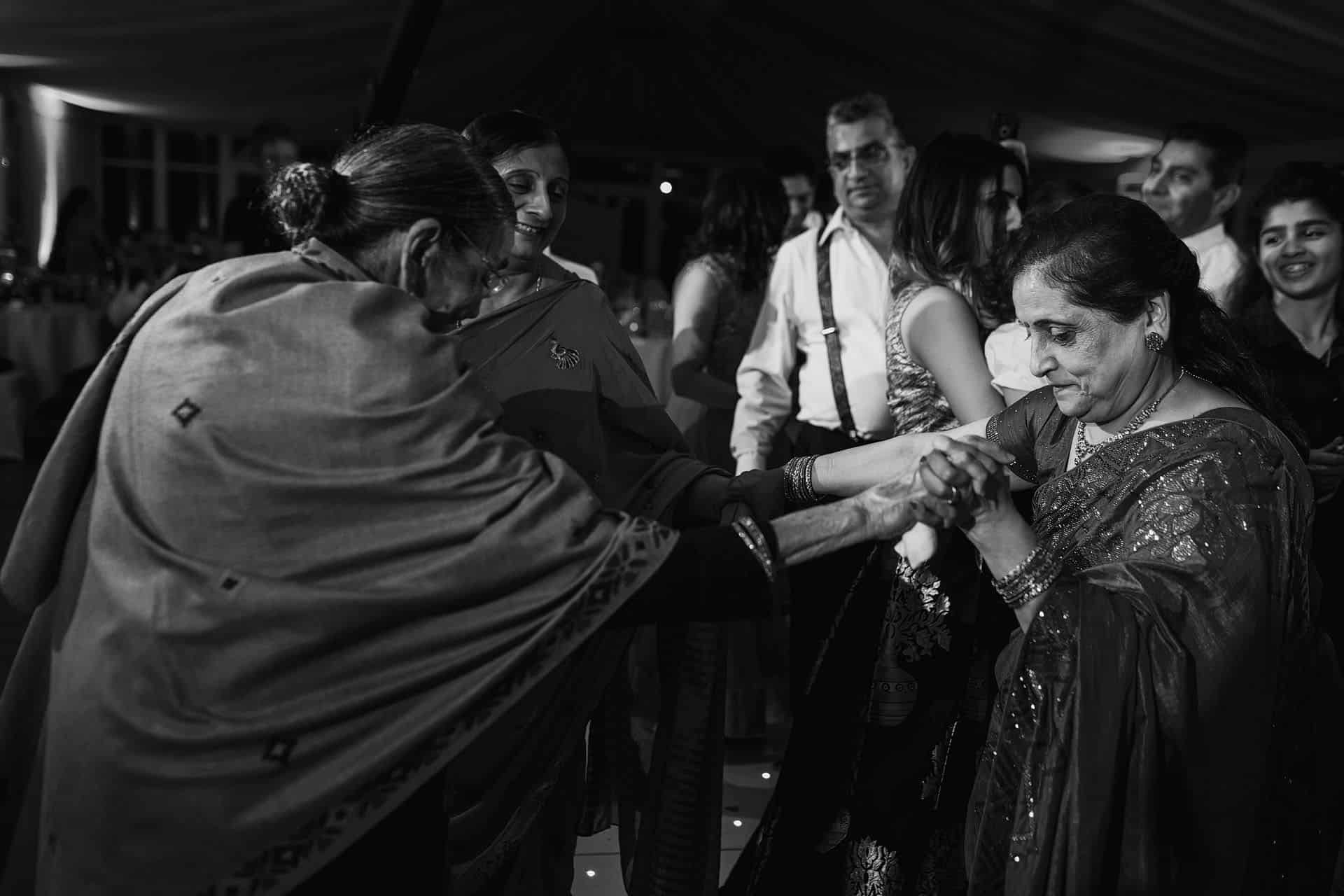 parklands quendon hindu wedding photographer