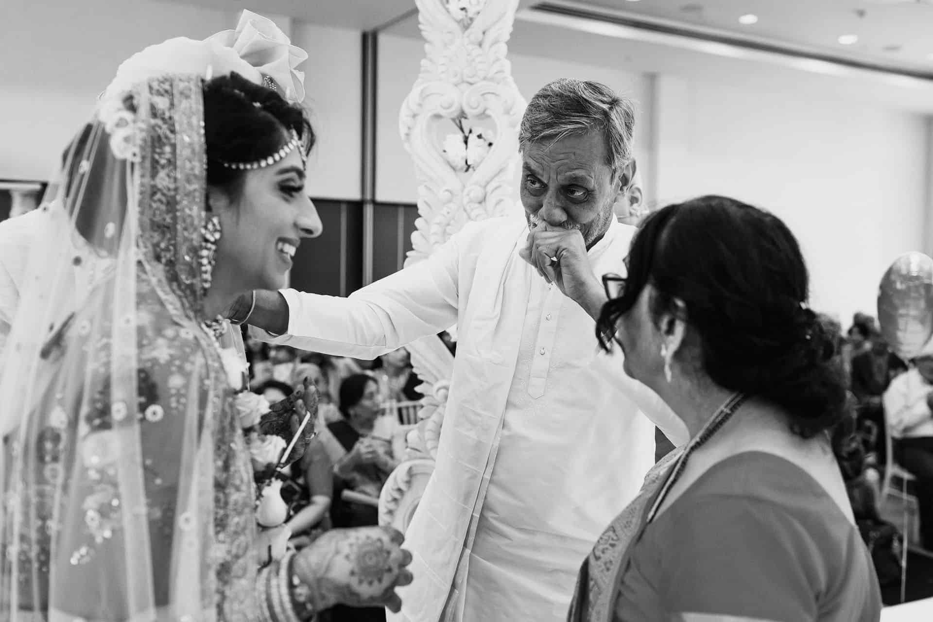 hindu wedding hilton syon photography