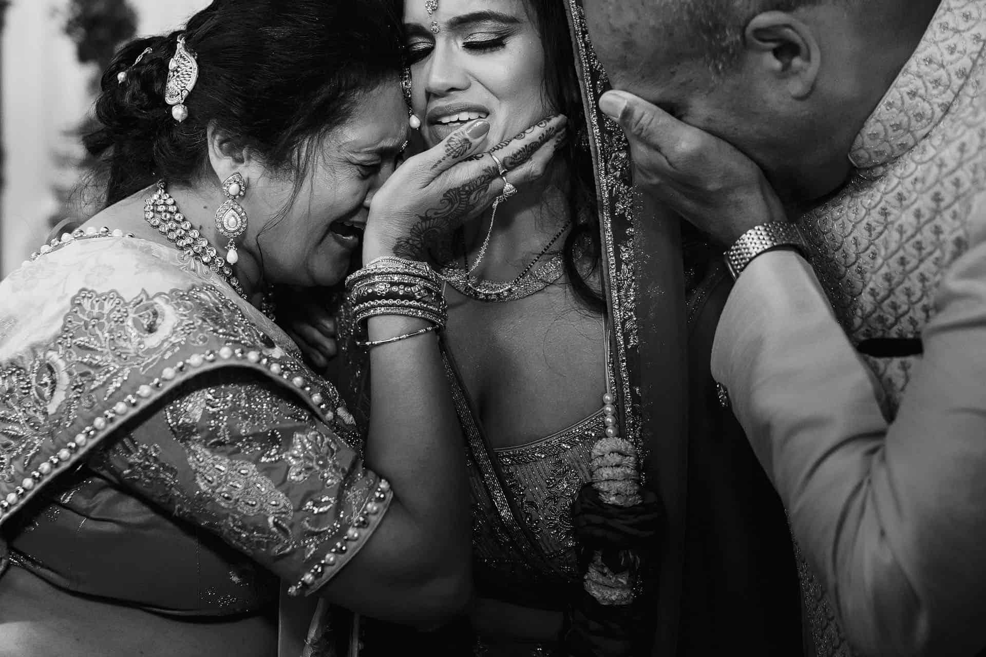tewin bury farm indian wedding photos